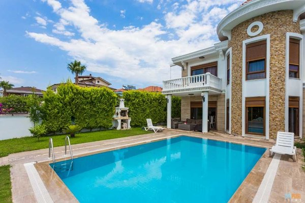 Luxury furnished villa for sale in a beautiful area of Turkey Antalya Kemer