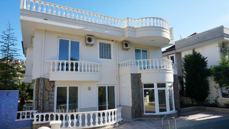 Villa with private pool and sea views in the district Kargicak