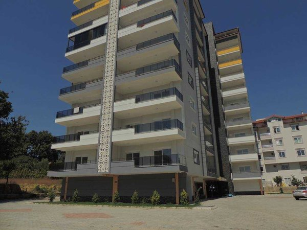 Spacious three-room apartment with separate kitchen in Alanya - Avsallar