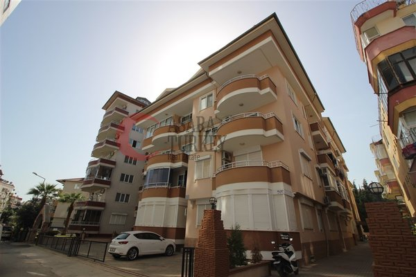 For sale furnished three-room apartment in the center of Alanya Turkey