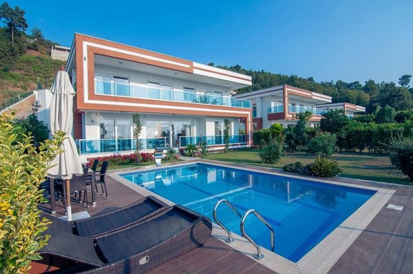 Luxury villa with panoramic views over Alanya - private pool and sauna